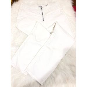 Almost Famous White Zip Front Skinny Pants